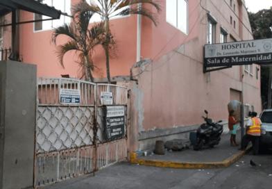 Inhabilitan sala de observación de covid-19 en el Hospital Leonardo Martínez por filtración de las lluvias