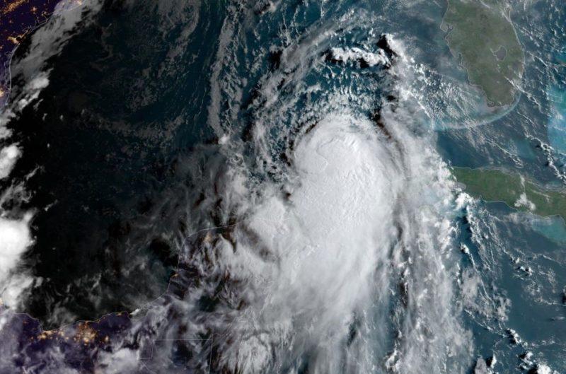 Laura ya es huracán categoría 1 y se acerca a Texas y Louisiana