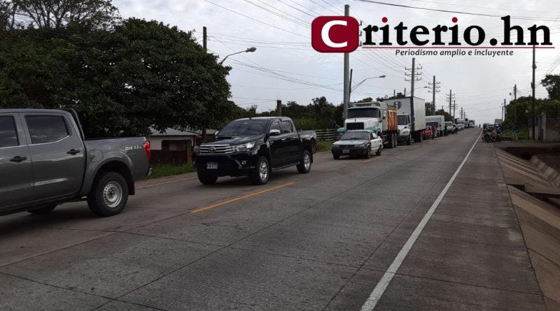 Transportistas salen a las calles