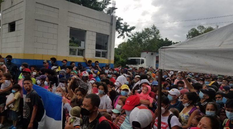 Migrantes hondureños acusados por AMLO