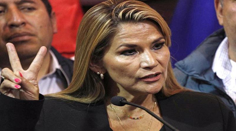 presidenta de facto en Bolivia