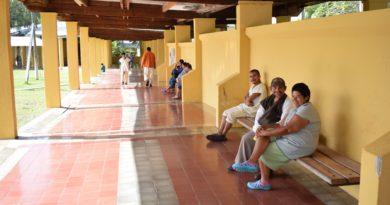 150 pacientes diarios atiende Hospital Santa Rosita, la mayoría por ansiedad y depresión