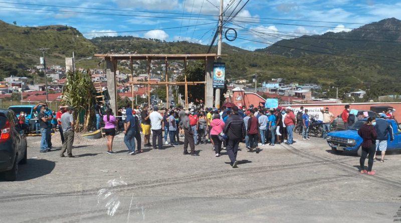 Vecinos de Tegucigalpa demandan agua