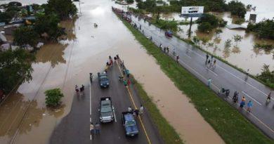 Lluvias continuarán este fin de semana sobre un Valle de Sula inundado