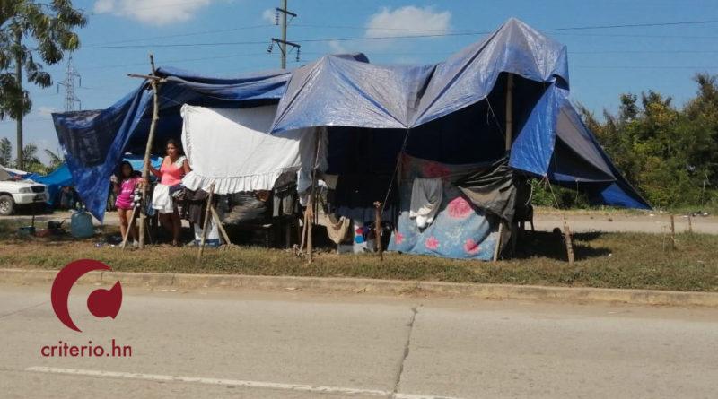 Damnificados siguen a la espera de ayuda