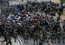 Caravana de migrantes retrocede ante represión en Guatemala