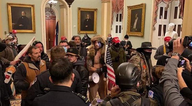 Manifestantes pro-Trump se toman el Capitolio