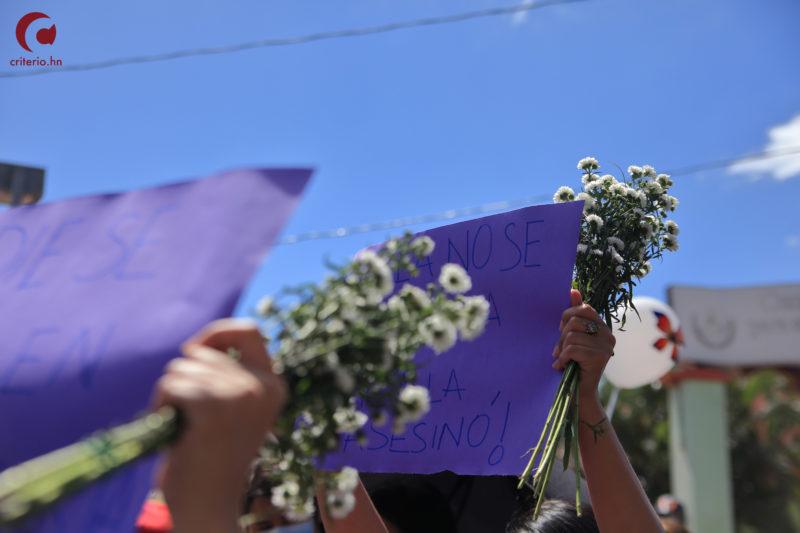 Policía de Honduras en el ojo del huracán por muerte de joven universitaria en una comisaría