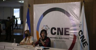 CNE afirma que «no hay secretos», pero lleva más de 48 horas en silencio