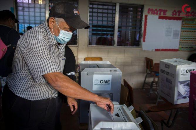 elecciones combaten reproducen corrupción