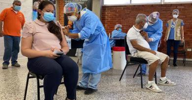 Rechazan aprobación de ley que exime a proveedores de medicamentos durante pandemia