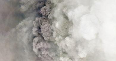 Dióxido de azufre podría ingresar a Honduras por erupción volcánica en San Vicente