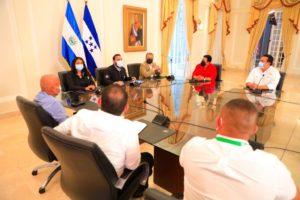 alcaldes vacunas El Salvador