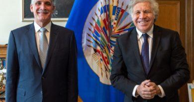Nasry Asfura y Luis Almagro
