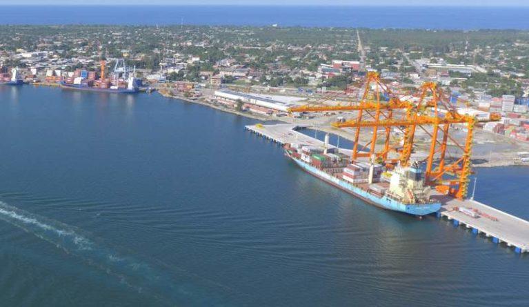 terminal marítima paralela a Puerto Cortés